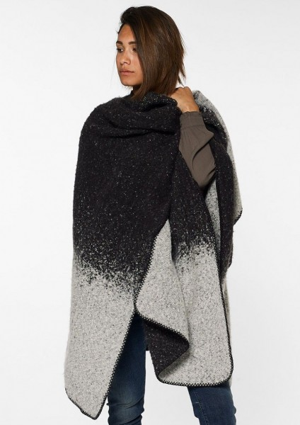 Circle of Trust Lana Damen Cape